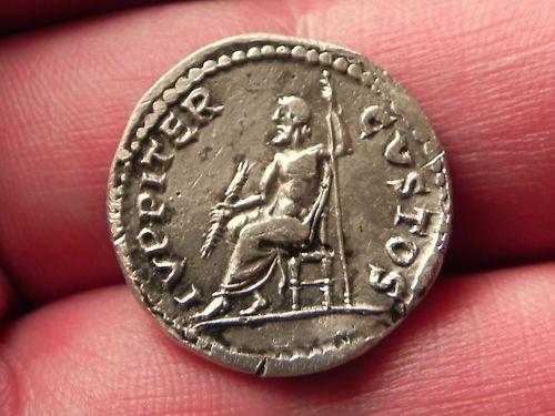 Héritage de 3 monnaies romaines, besoin d'infos Naron_11