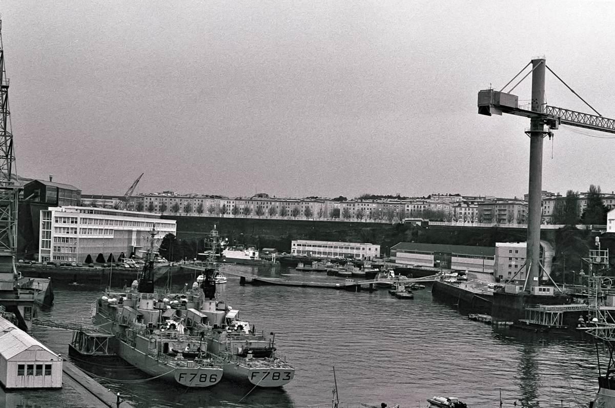 [Les ports militaires de métropole] Port de BREST - TOME 3 - Page 23 Arsena13
