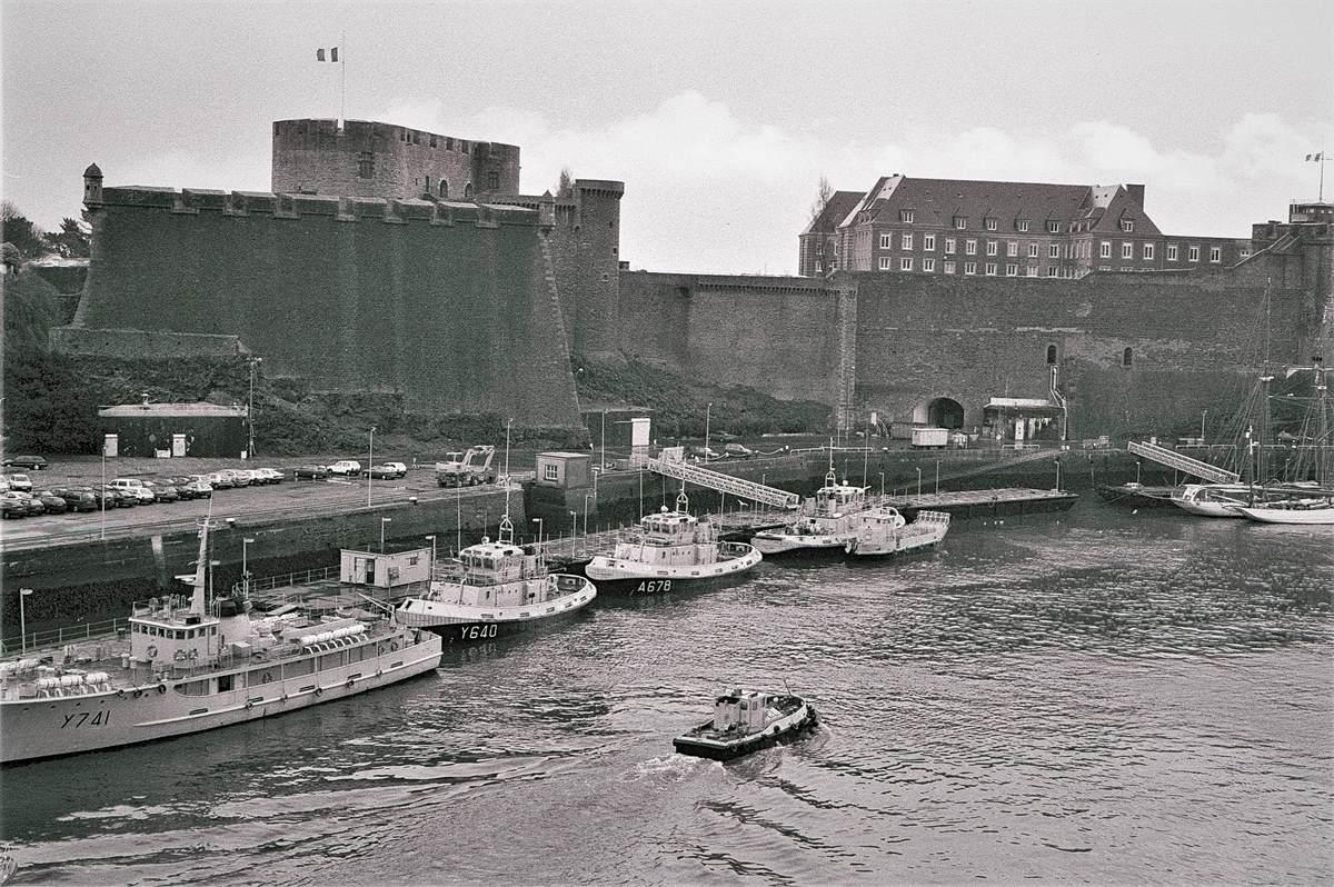 [Les ports militaires de métropole] Port de BREST - TOME 3 - Page 23 Arsena14