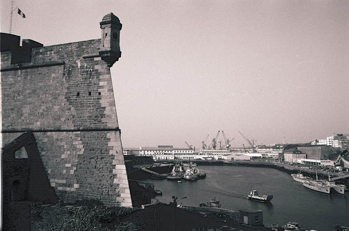 [Les ports militaires de métropole] Port de BREST - TOME 3 - Page 23 Brest_11