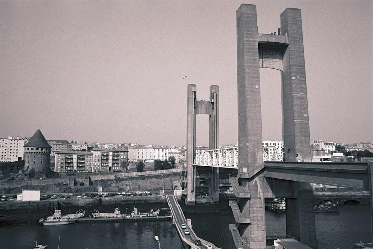 [Les ports militaires de métropole] Port de BREST - TOME 3 - Page 23 Brest_14