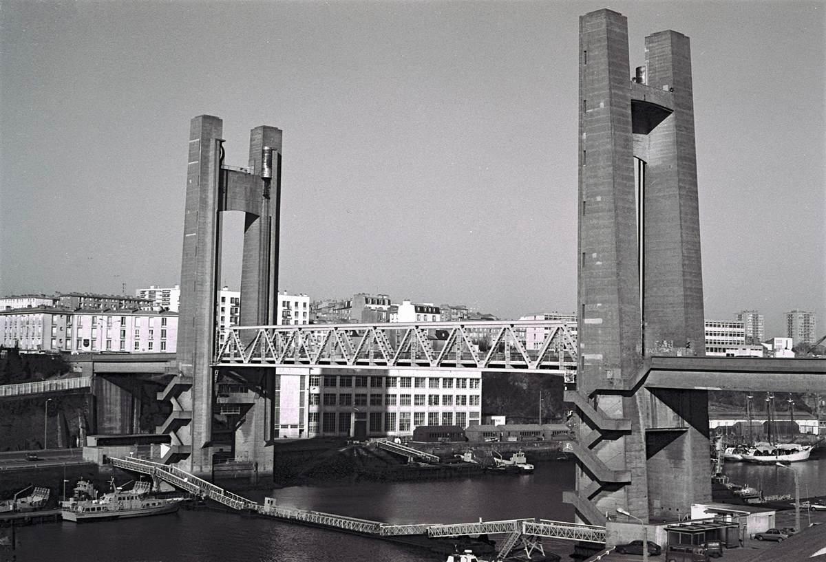 [Les ports militaires de métropole] Port de BREST - TOME 3 - Page 23 Brest_15