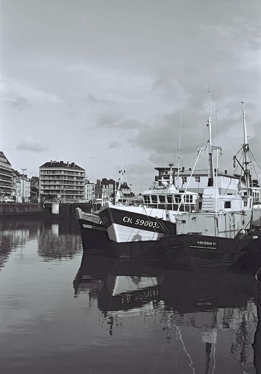 [Activité des ports hors Marine] LE PORT DE CHERBOURG - Page 18 Cherb_11