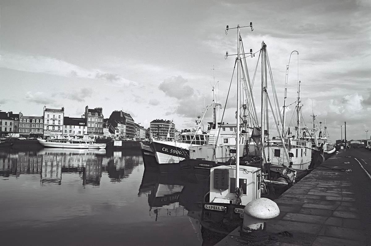 [Activité des ports hors Marine] LE PORT DE CHERBOURG - Page 18 Cherb_12