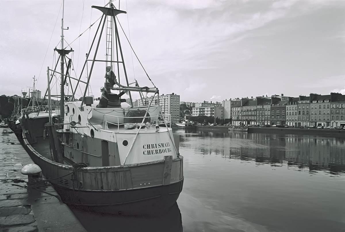 [Activité des ports hors Marine] LE PORT DE CHERBOURG - Page 18 Cherb_13