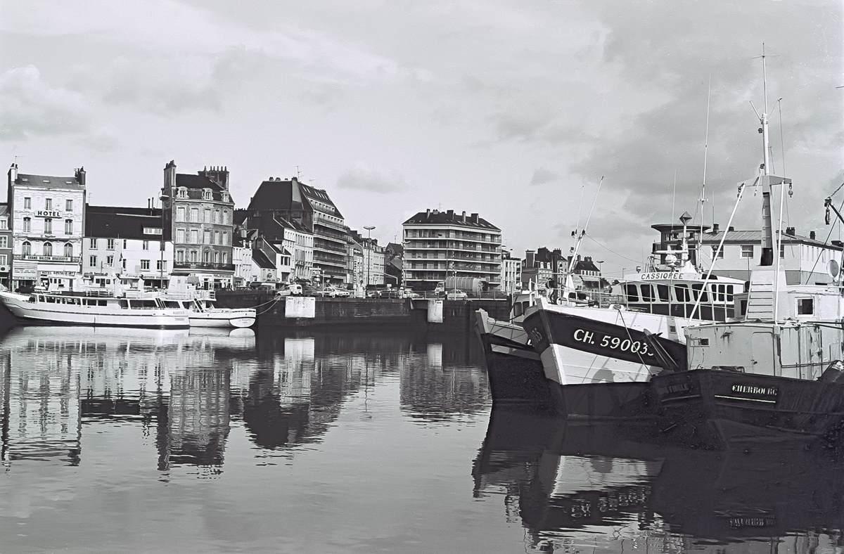 [Activité des ports hors Marine] LE PORT DE CHERBOURG - Page 18 Cherb_14