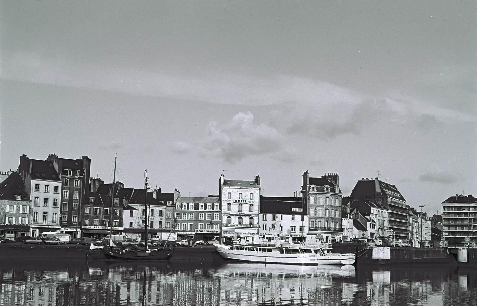 [Activité des ports hors Marine] LE PORT DE CHERBOURG - Page 18 Cherb_16