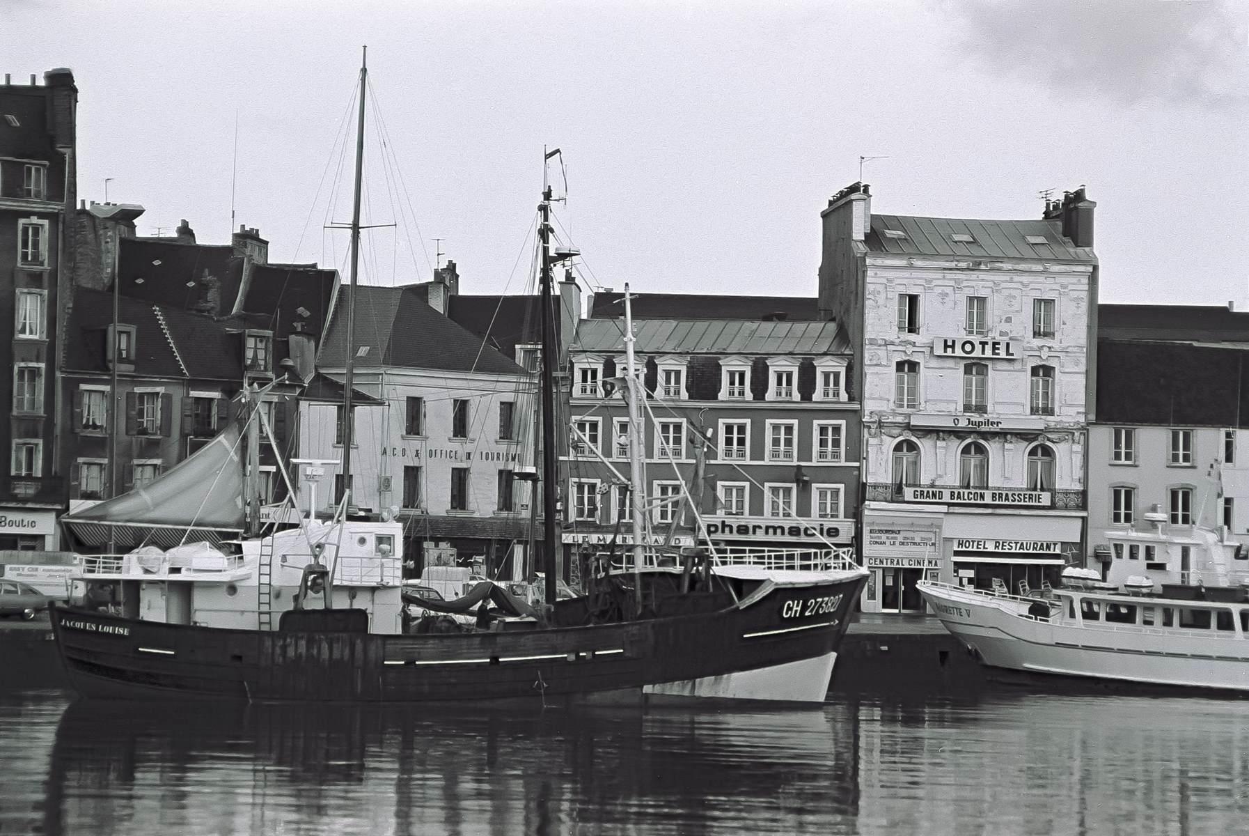[Activité des ports hors Marine] LE PORT DE CHERBOURG - Page 18 Cherb_20