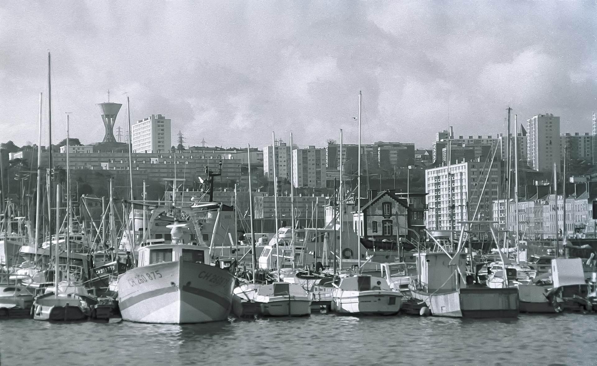 [Activité des ports hors Marine] LE PORT DE CHERBOURG - Page 19 Cherb_32