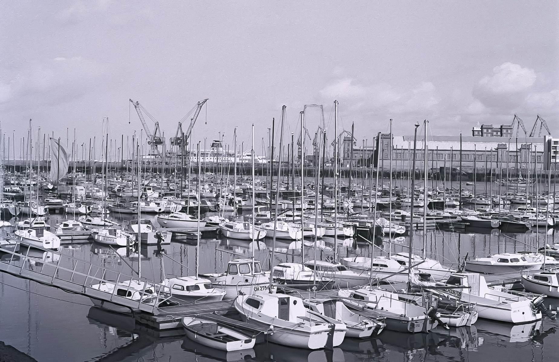 [Activité des ports hors Marine] LE PORT DE CHERBOURG - Page 19 Cherb_33