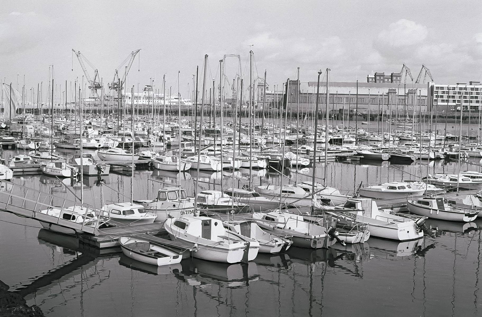 [Activité des ports hors Marine] LE PORT DE CHERBOURG - Page 19 Cherb_34