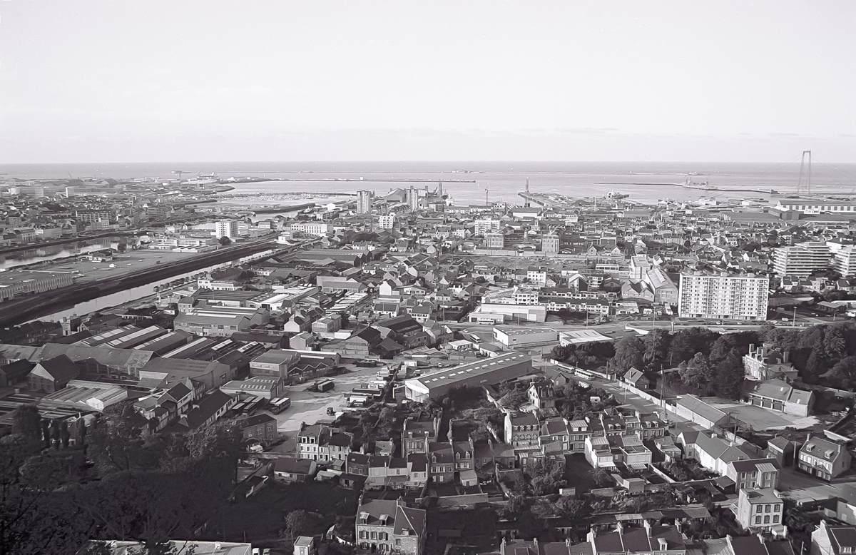 [Activité des ports hors Marine] LE PORT DE CHERBOURG - Page 19 Cherb_41