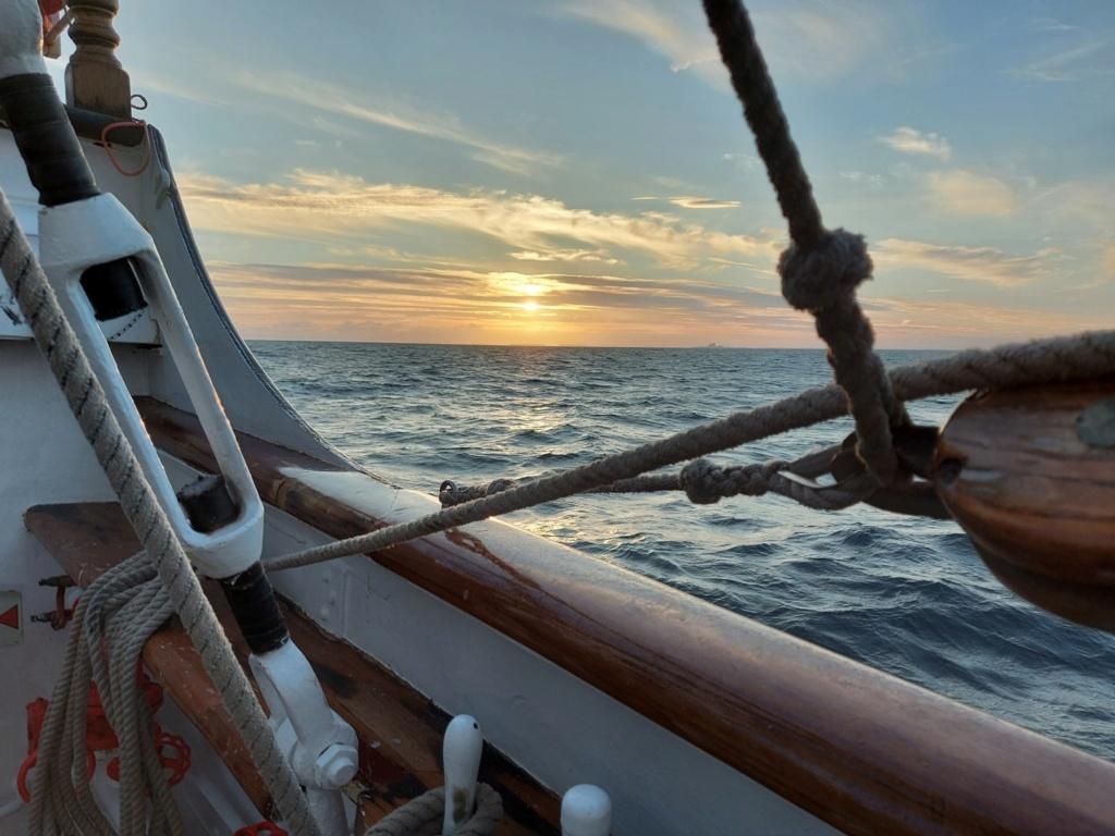 Ma navigation sur le trois-mâts Belem - Page 5 2021-099