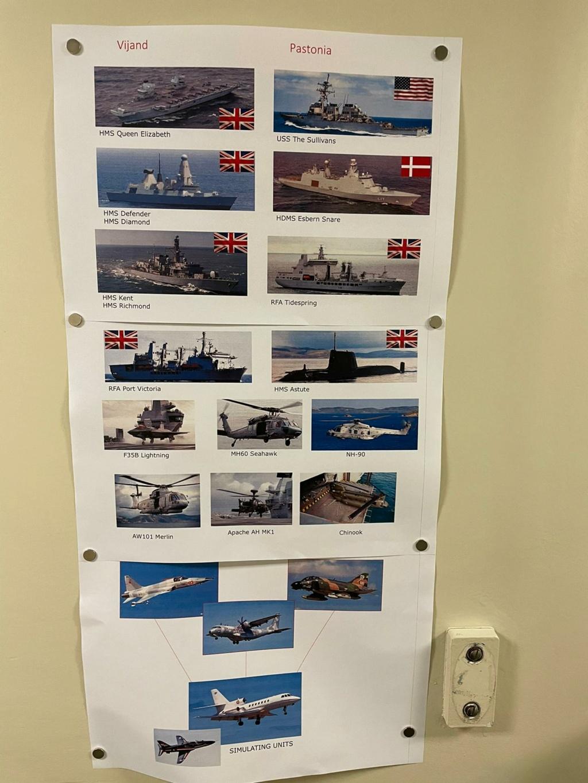 M-klasse fregatten (Karel Doorman M-class frigates) - Page 4 Img-2271