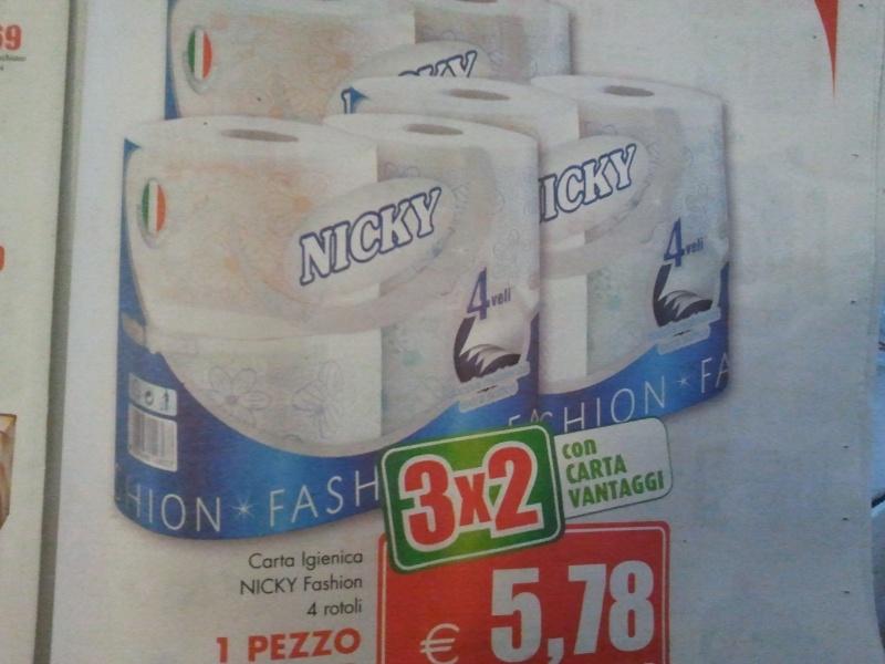DRIVING AND SHOPPING: CON LE NOSTRE ALFA AL FOXTOWN DI MENDRISIO (SWISS). 2011-016