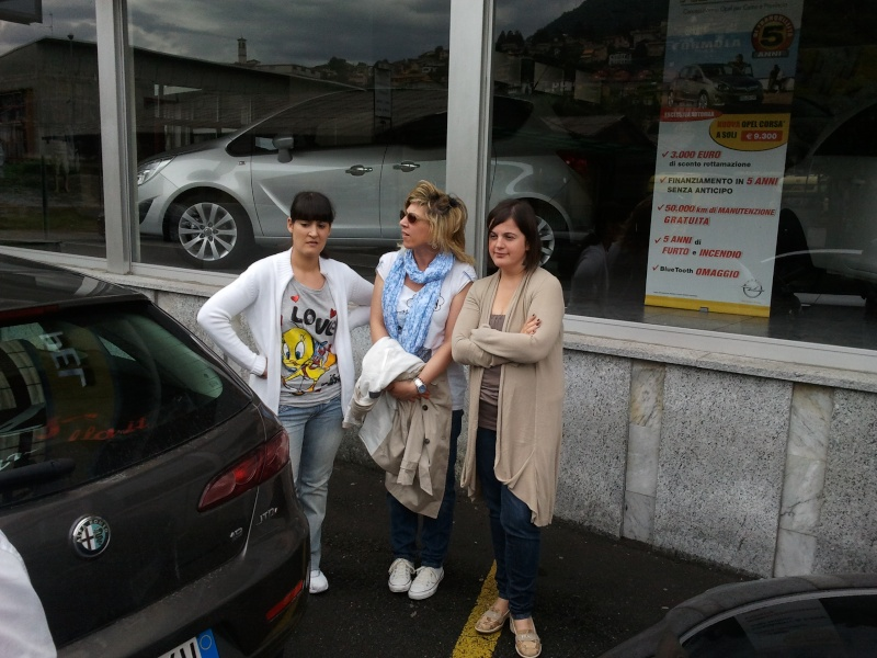 DRIVING AND SHOPPING: CON LE NOSTRE ALFA AL FOXTOWN DI MENDRISIO (SWISS). - Pagina 3 2011-024