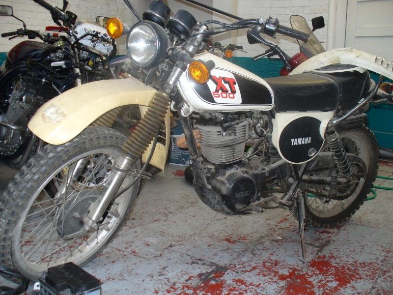 Un petit belge, un ! avec sa 400 DTMX 77, son XT500 79,.. :) P1120210