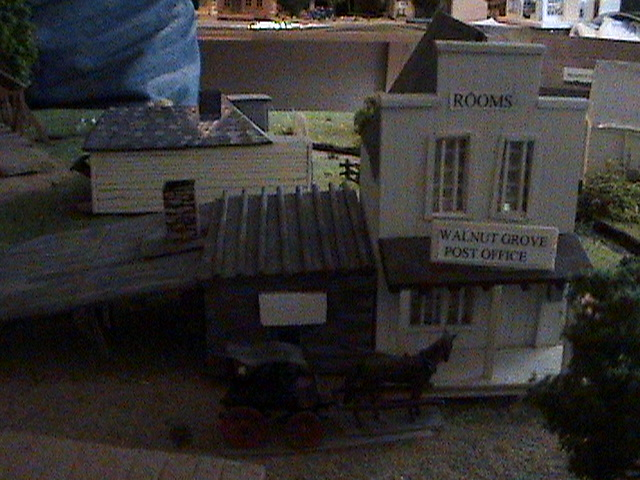 Grove - Little House Miniature Models Wg1510