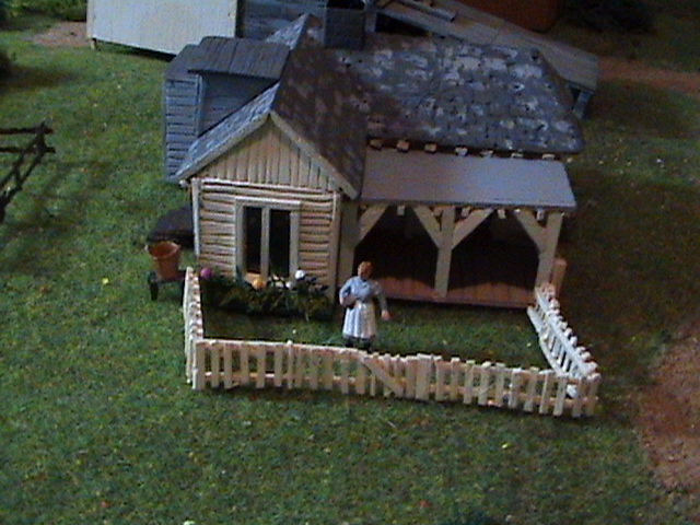 Grove - Little House Miniature Models Wg1710