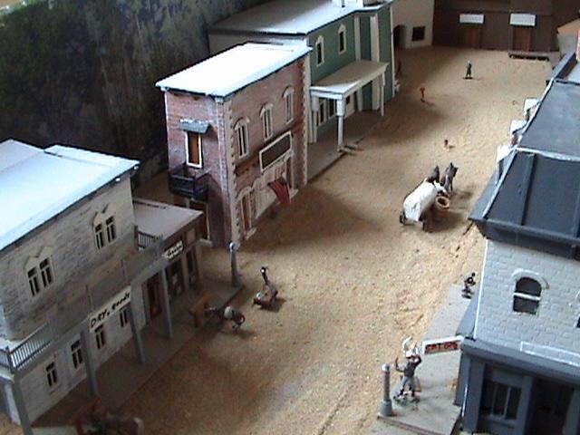 Little House Miniature Models Win1010