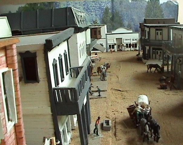 Grove - Little House Miniature Models Win810