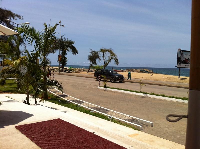 Un jeune Angolais sur le forum Img_0110