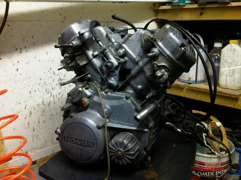 Honda CX 500 first Café build - Page 2 Engine10