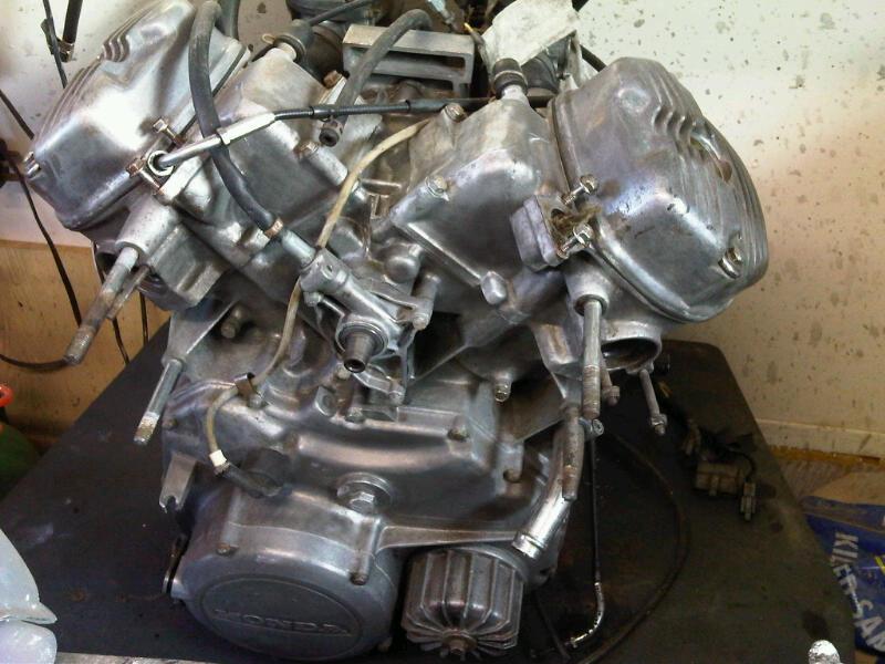 Honda CX 500 first Café build - Page 2 Engine11