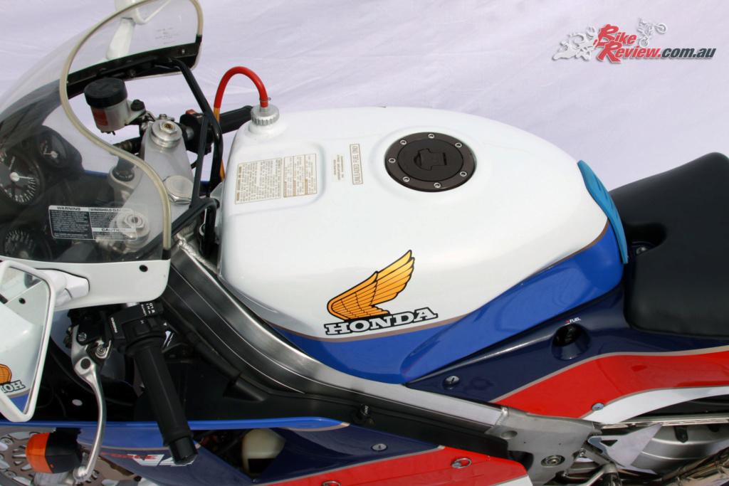 [TAMIYA] Honda RC-30 - 1/12 Classi10