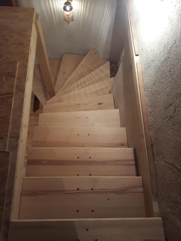 Escalier limon central quart tournant...et demi ! 20191023