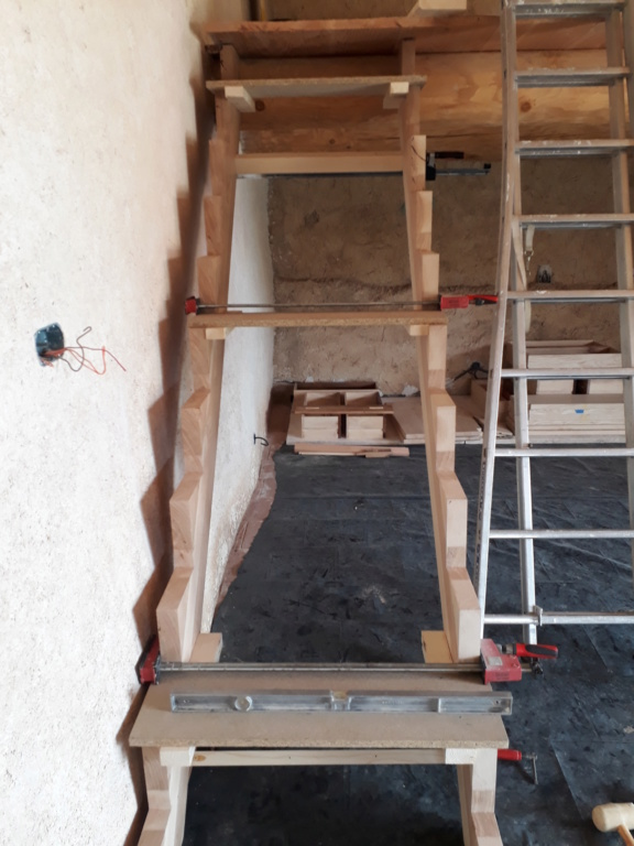 Escalier Droit en Frêne avec tiroirs  - Page 4 20200585