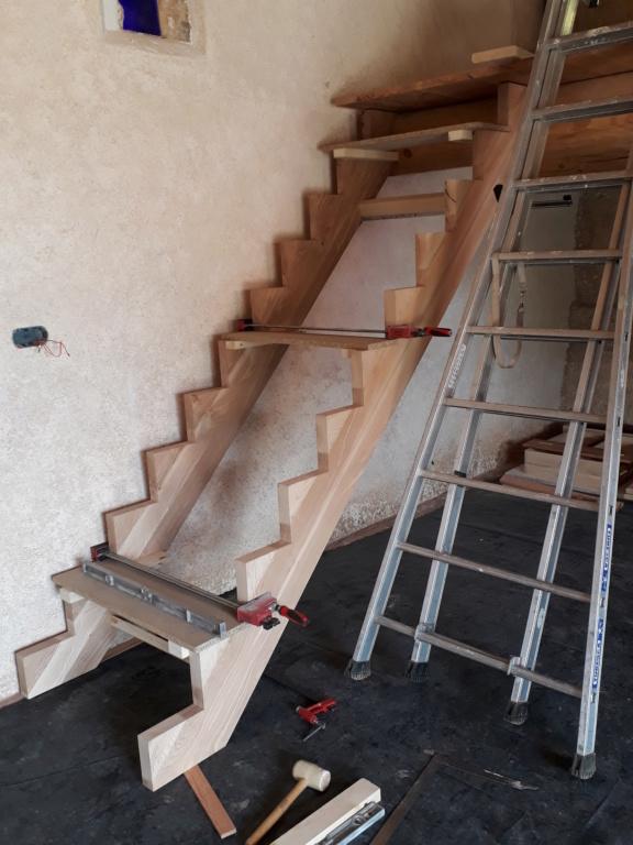 Escalier Droit en Frêne avec tiroirs  - Page 4 20200586