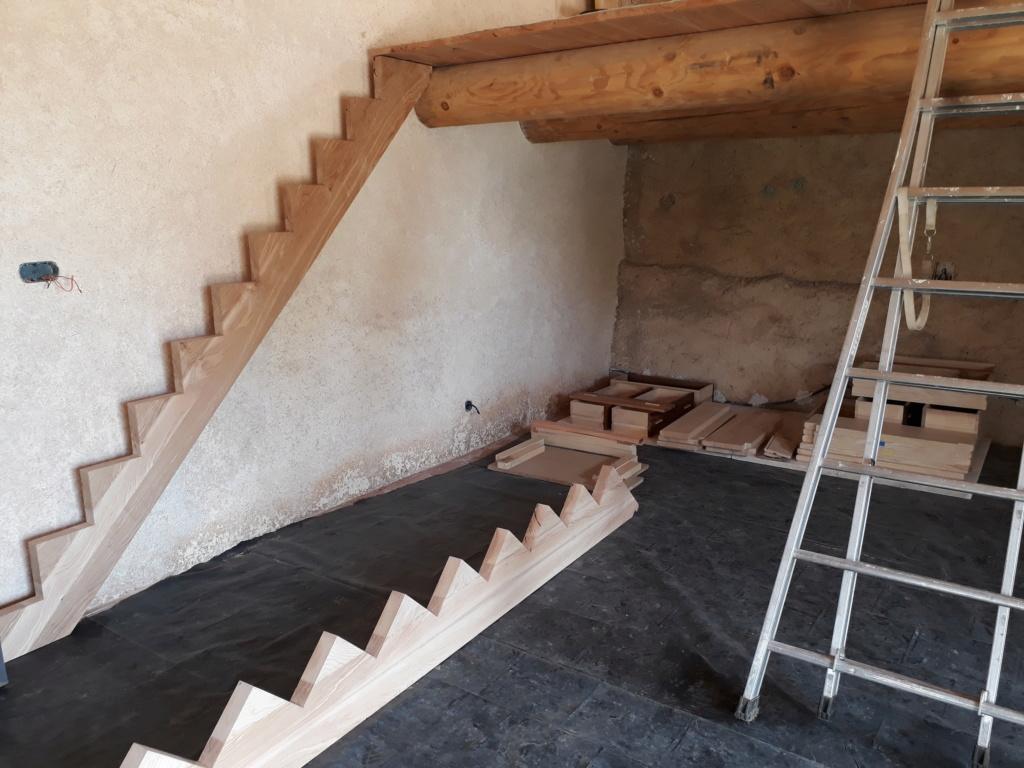 Escalier Droit en Frêne avec tiroirs  - Page 4 20200587