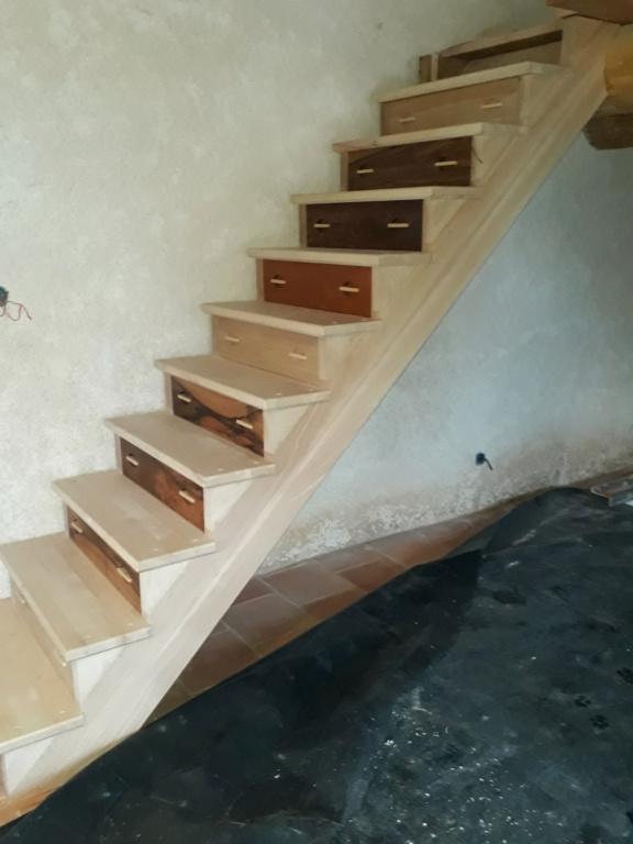 Escalier Droit en Frêne avec tiroirs  - Page 4 20200592