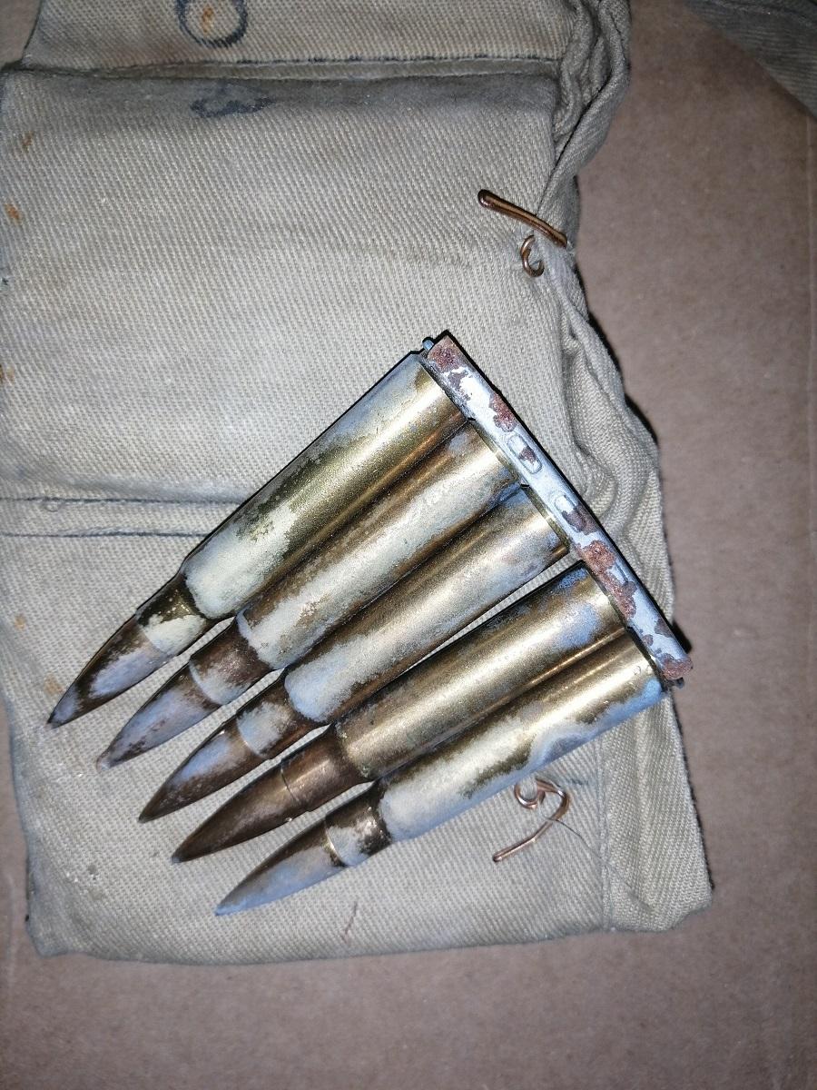 Porte clips d'assault pour 98k ? Img_2302