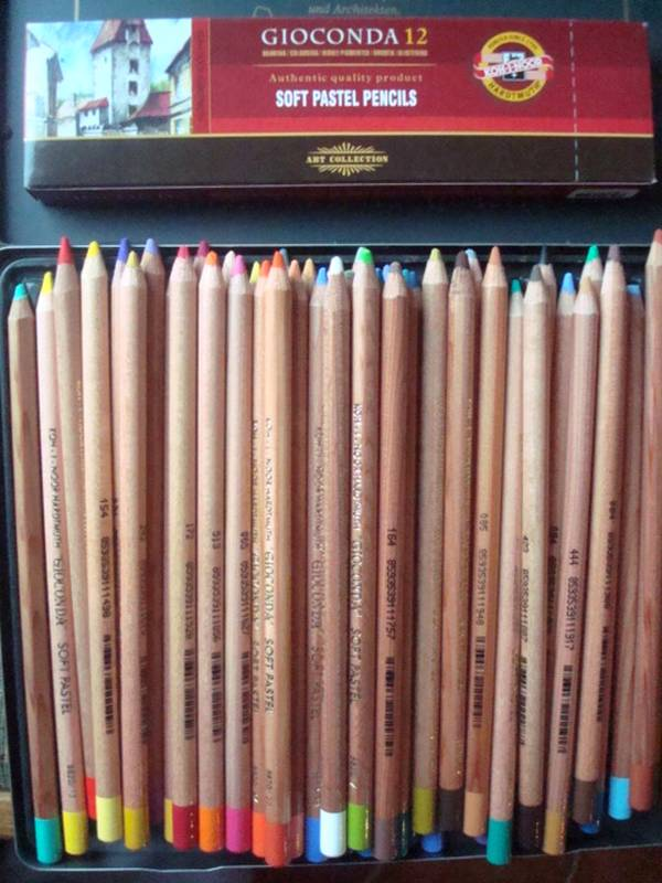 "Essai de dessin ""greysccale"" et pastels secs... Koh_i_10"
