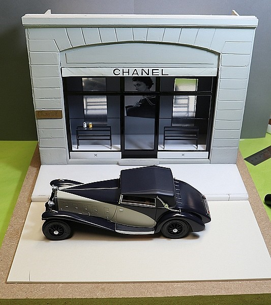 Delage D.8 SS (Heller) 1/24/Vitrine Chanel - Page 5 Thumb111