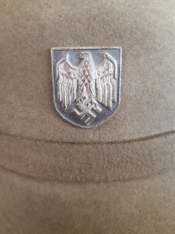 Plaque feldgendarmerie et casque feutre  Heer. 20200984