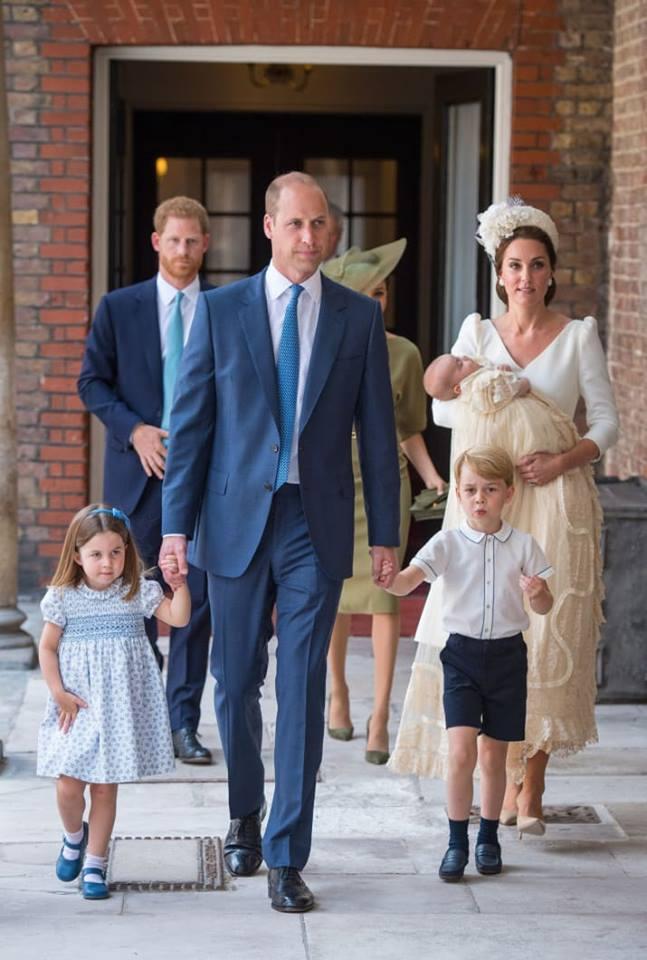 Маленький принц и его родители плюс сестричка - Страница 4 A12