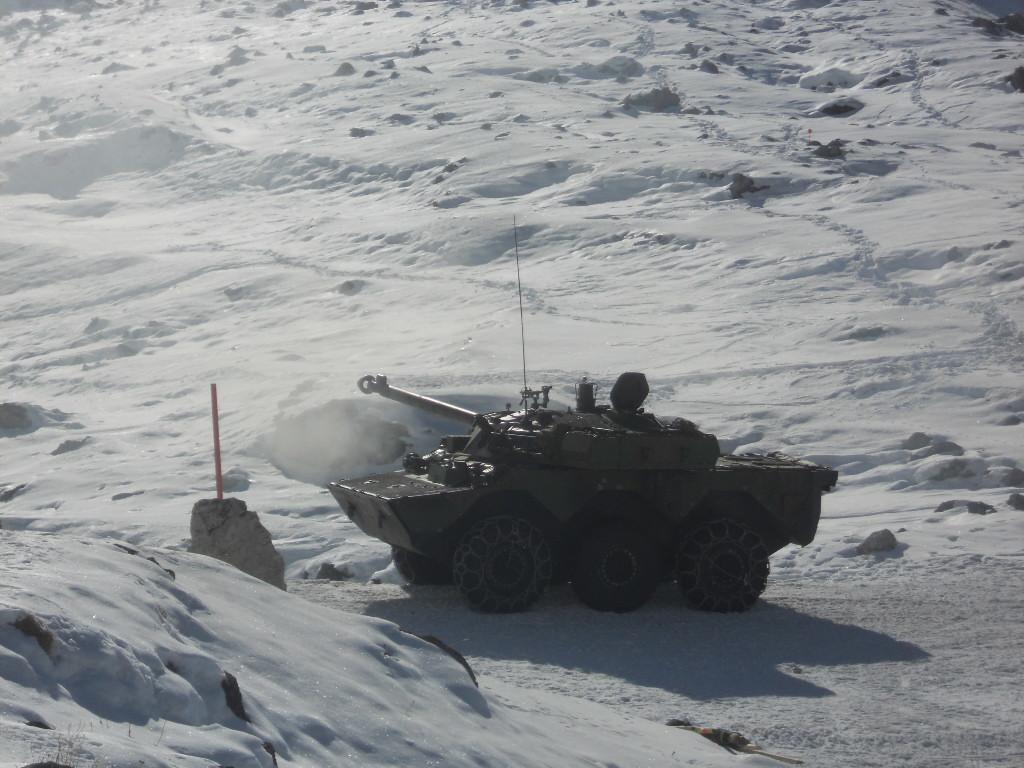 AMX 10 RCR dans la neige Dscn1840
