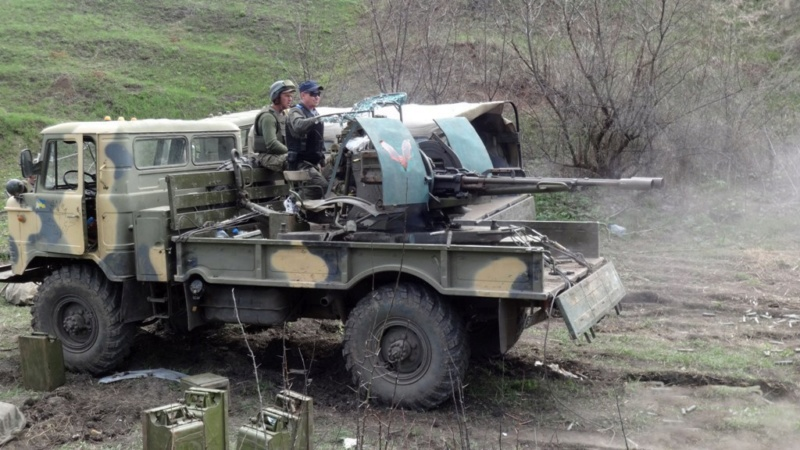 UAZ 66 ukrainien avec ZU 23/2 - Page 2 Id624210