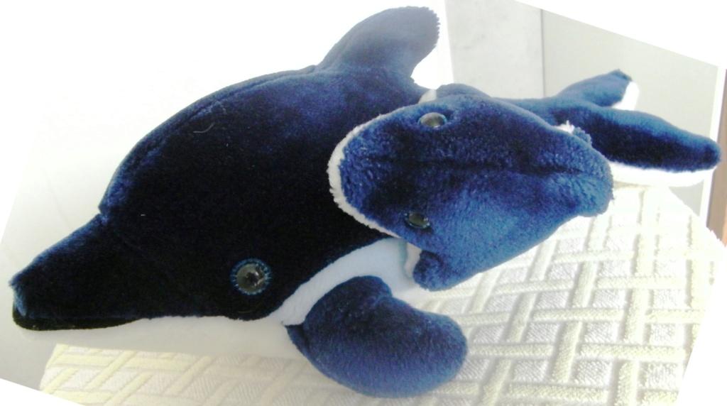peluche dauphin bleu et son bébé Orque_14
