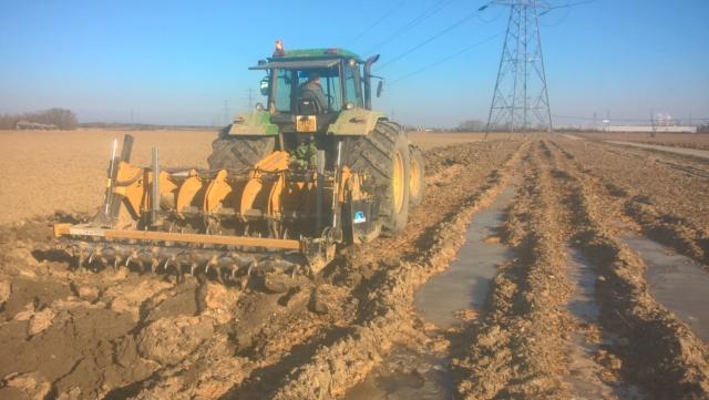Emblaver du maïs après une récolte d'automne très compliquée, labourer ou décompacter ?? Wp_20343
