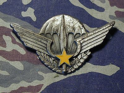 Central African Republic Paratrooper Badge 30265e10