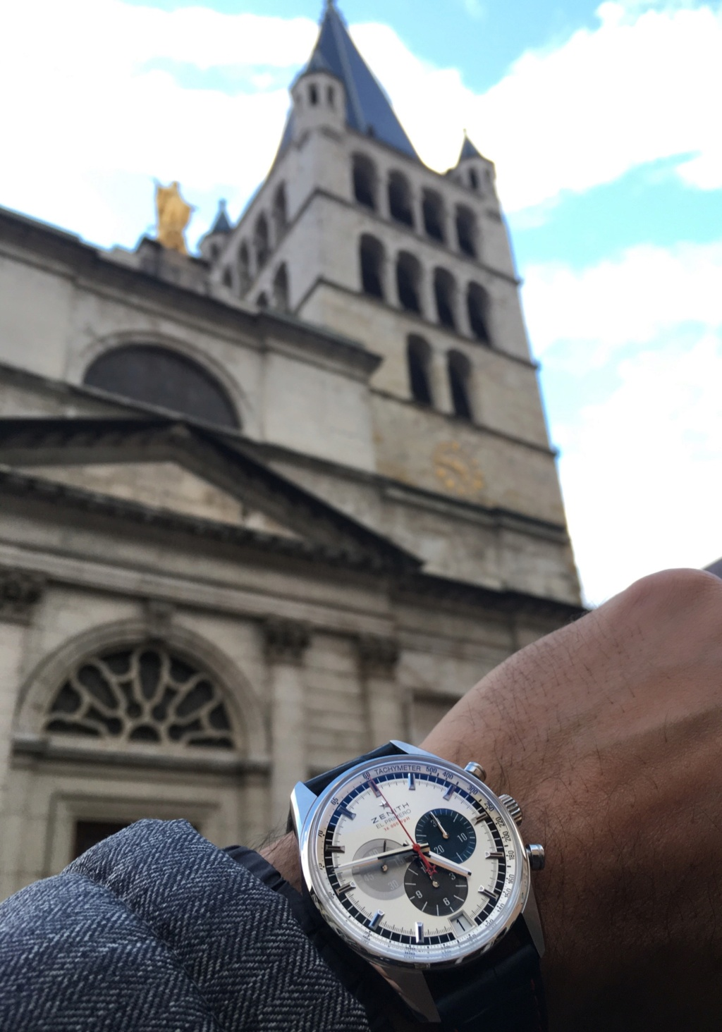 Wristshot de vos belles devant des monuments emblématiques - Page 39 F8269410