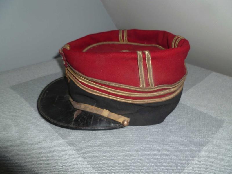 Képi saumur de Capitaine d'Infanterie 1884 -ESC - DEC 1 A clôturer  P1130746