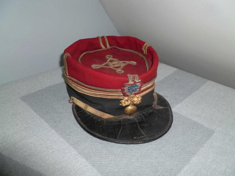 Képi saumur de Capitaine d'Infanterie 1884 -ESC - DEC 1 A clôturer  P1130747