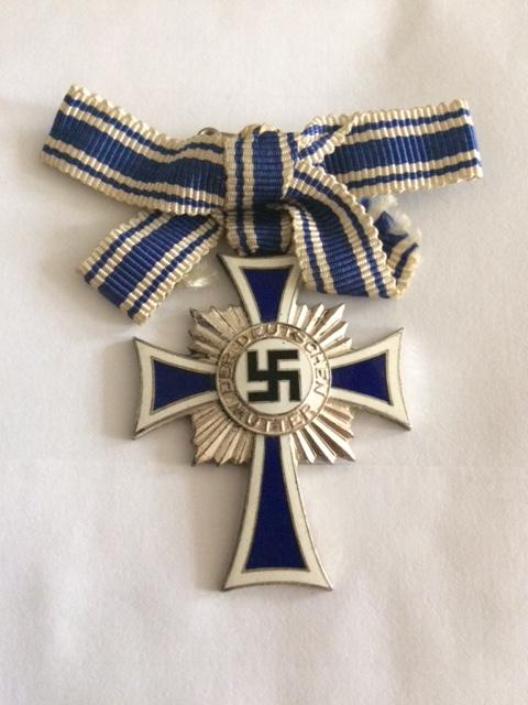 Croix des mères argent, montage ruban particulier. Image131