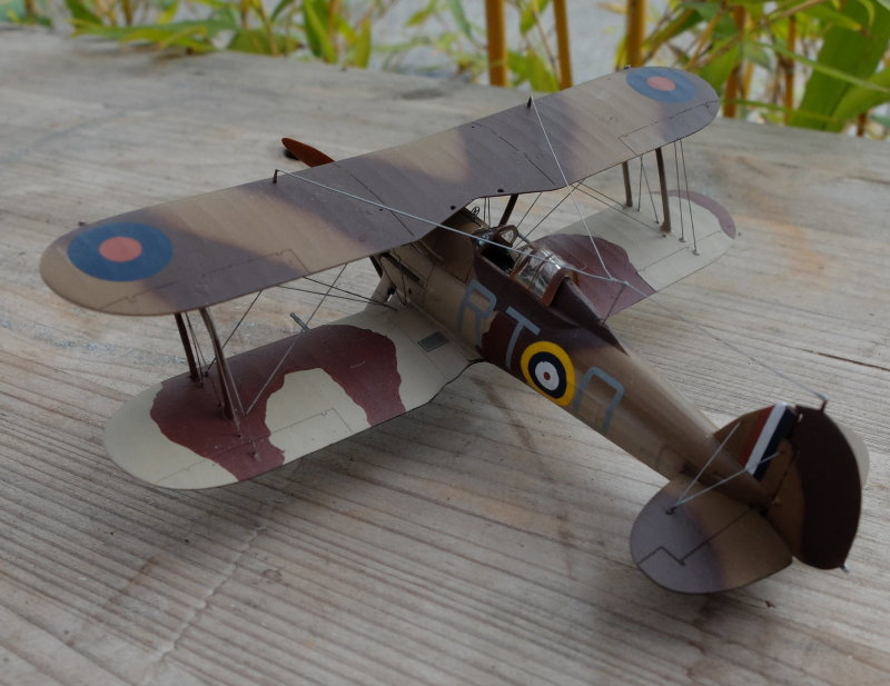 [ARMA HOBBY] Hurricane Mk I metal wing 1/72 -- 73sq Flight B James DENIS (FINI) - Page 2 Gladia10