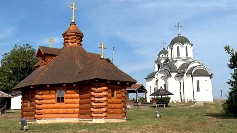 crkve,manastiri....ostali relig.objekti - Page 24 174